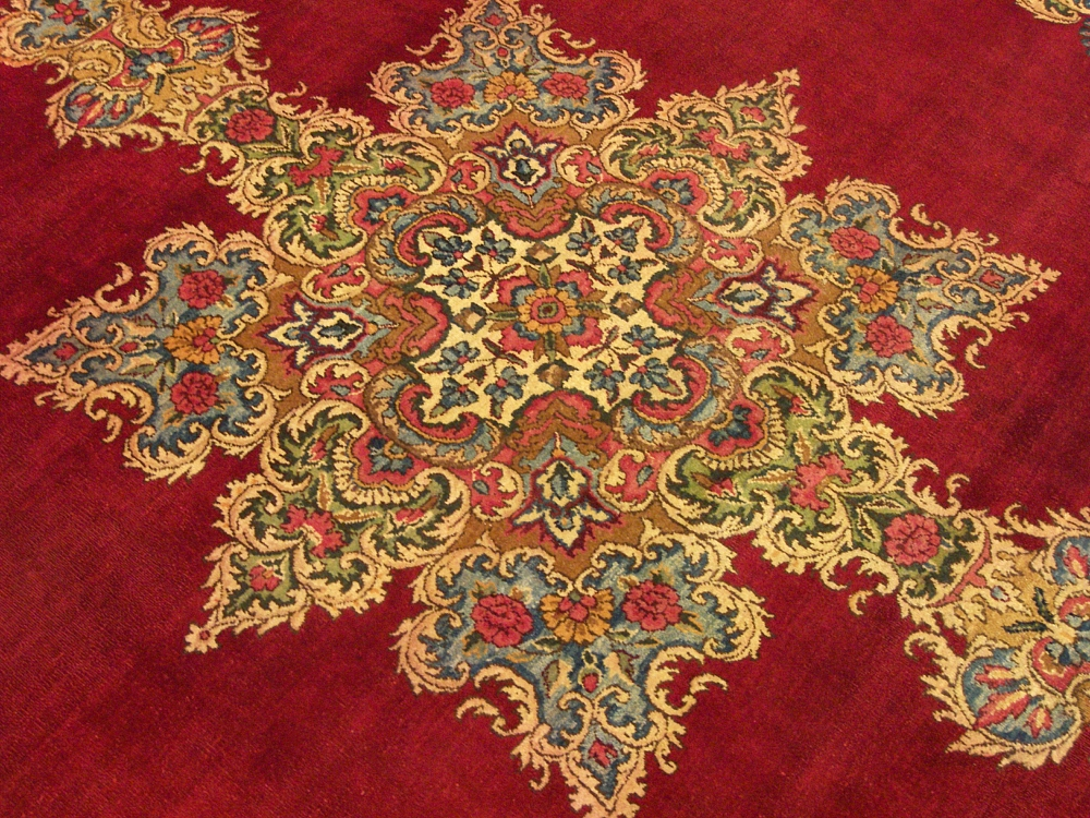 9X12 ANTIQUES, RUGS CARPETS, LARGER THAN : ANTIQUES CENTER